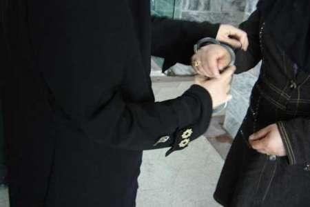 دستگیری-زن سارق