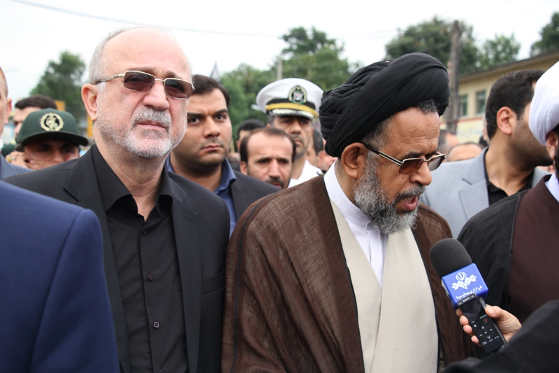عکس وزیر اطلاعات در تشییع شهید گمنام عشوری