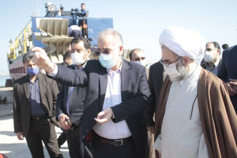 نظام مند نمودن ساختار تولید و تمرکز به صادرات از ارکان توسعه اقتصادی است/ منطقه آزاد انزلی ظرفیت بسیار بالایی برای گیلان و ایران است