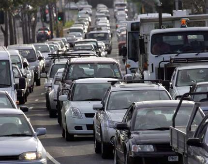 ورود بالغ بر ۳۰۰هزار دستگاه خودرو به استان گیلان