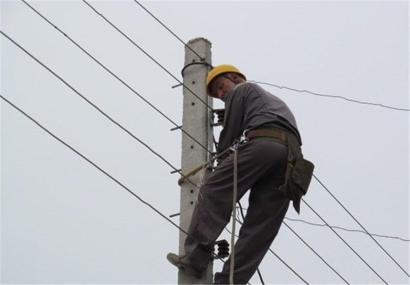 ۲۲۹ اکیپ عملیاتی در استان در حال برطرف کردن خاموشیهاهستند/ برق ۳ هزار و ۹۰۰ مشترک گیلانی همچنان قطع است