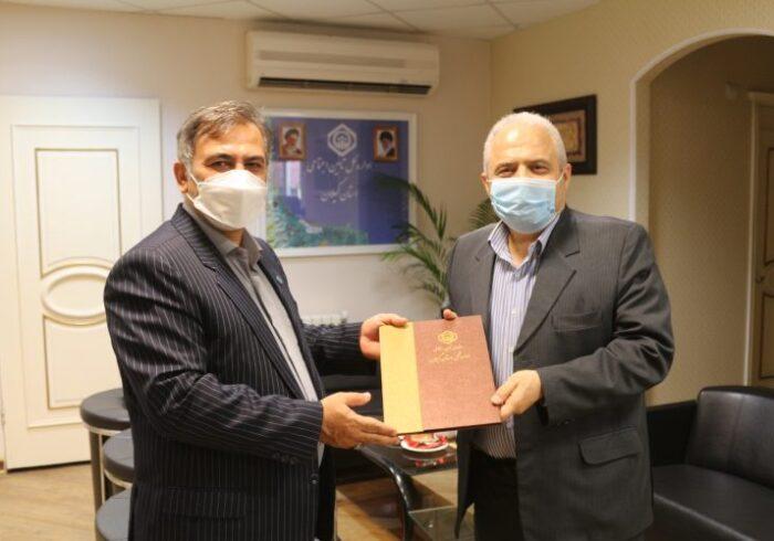 مدیرکل تامین اجتماعی گیلان از رئیس اتاق اصناف استان تجلیل کرد
