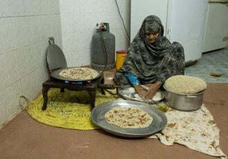 """""""مادر ایران """"حاجیه صفیه گلزاری در یک خانه ساده و به دور از هیاهو ها زندگی میکند"""