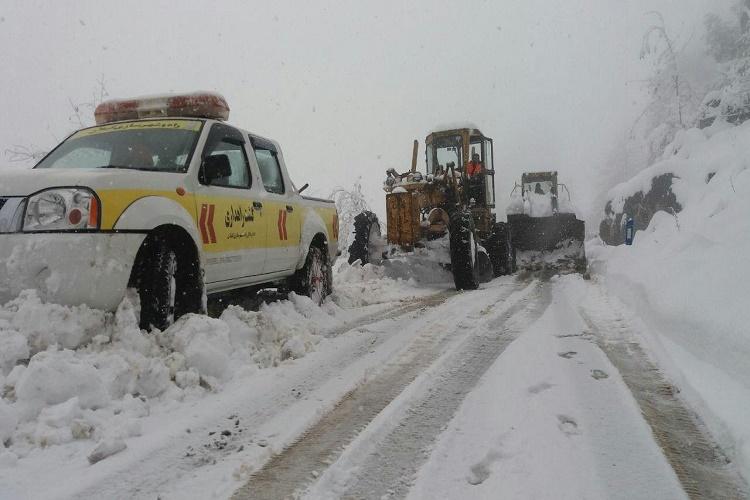 برفروبی هزار کیلومتر از محورهای کوهستانی گیلان/امدادرسانی به ۶۹ خودرو