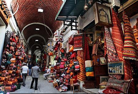 بانوی خیر اندیش لاهیجانی یک بازارچه را وقف درمانگاه کرد