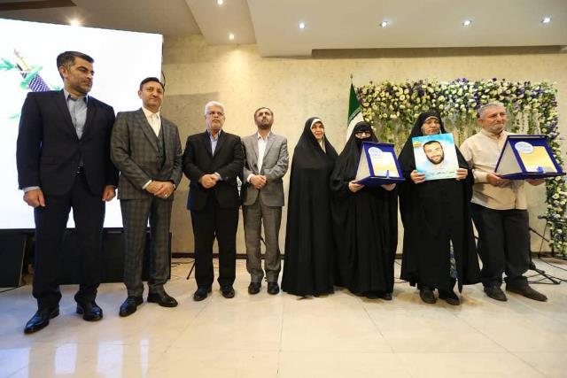 شهردار رشت در آیین تجلیل از خبرنگاران بر ساخت و نصب المان خیرالکلام تاکید کرد