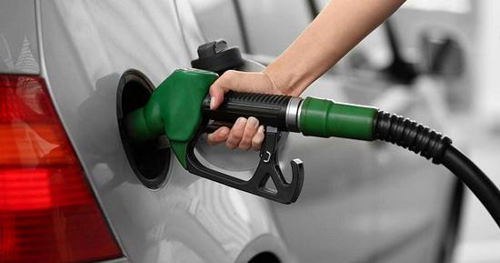 ۱۰۸ جایگاه سوخت گیلان در مدار بهره برداری   در ۷ جایگاه بنزین کارتی توزیع میشود