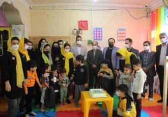 «حال خوش کودکی، رنگ خوش زندگی» با حضور رئیس کمیسیون فرهنگی اجتماعی شورا و مدیران شهرداری رشت برای کودکان اوتیسم رقم خورد