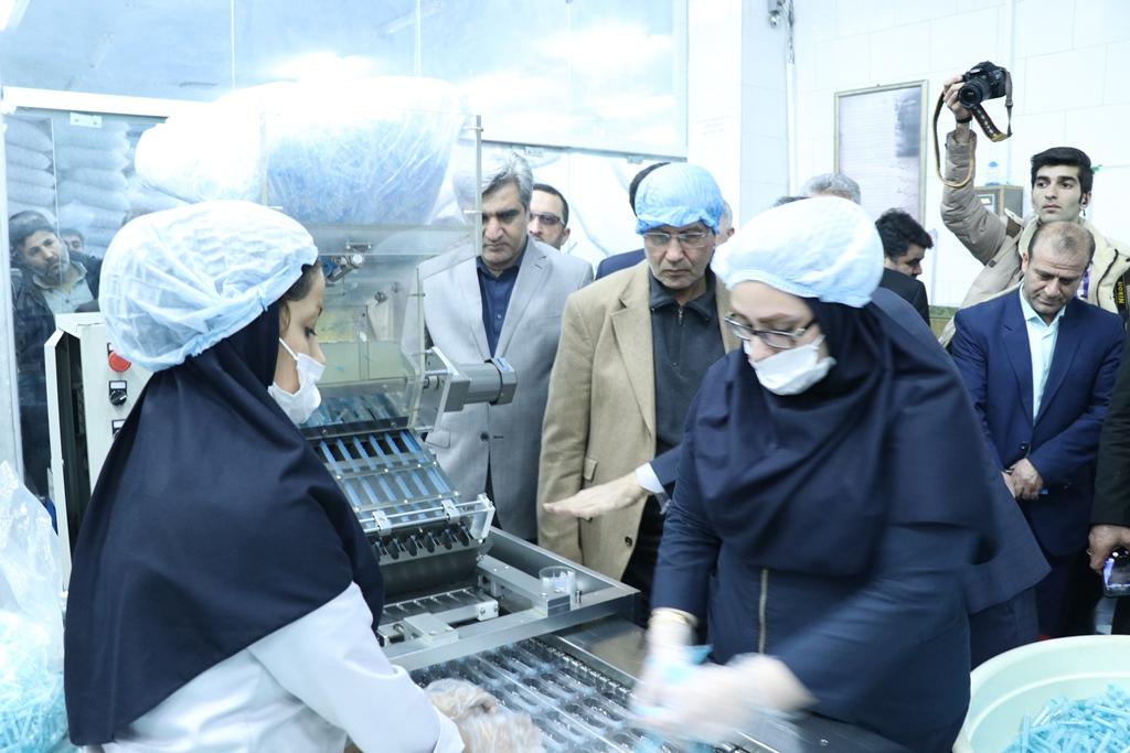 بازدید وزیر تعاون، کار و رفاه اجتماعی در ورود به گیلان با همراهی استاندار ازشرکت تولیدی سرنگ