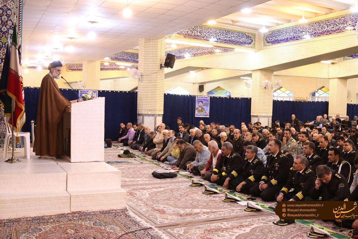 حضور ارتش در مناطق سیل زده امید را در دل مردم زنده کرد/برداشته شدن عکس شهدای روحانی از سطح شهرستان بی احترامی به تعالی فرهنگ دینی است