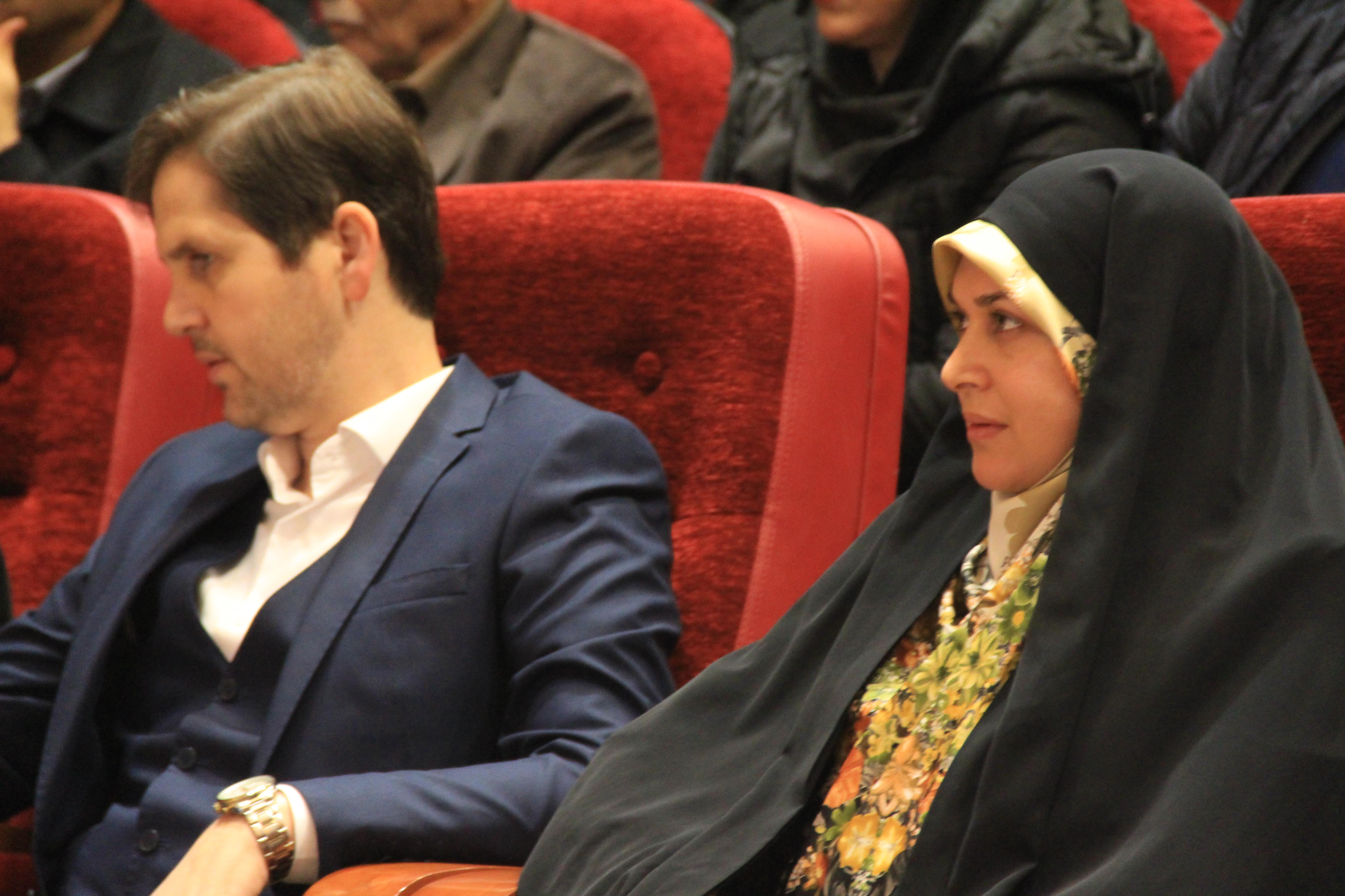 جشنواره فجر رویداد هنری ارزشمند در شهر رشت است/در بودجه های فرهنگی اختصاص یافته به شهرستان رشت هنرمندان بومی حمایت شوند