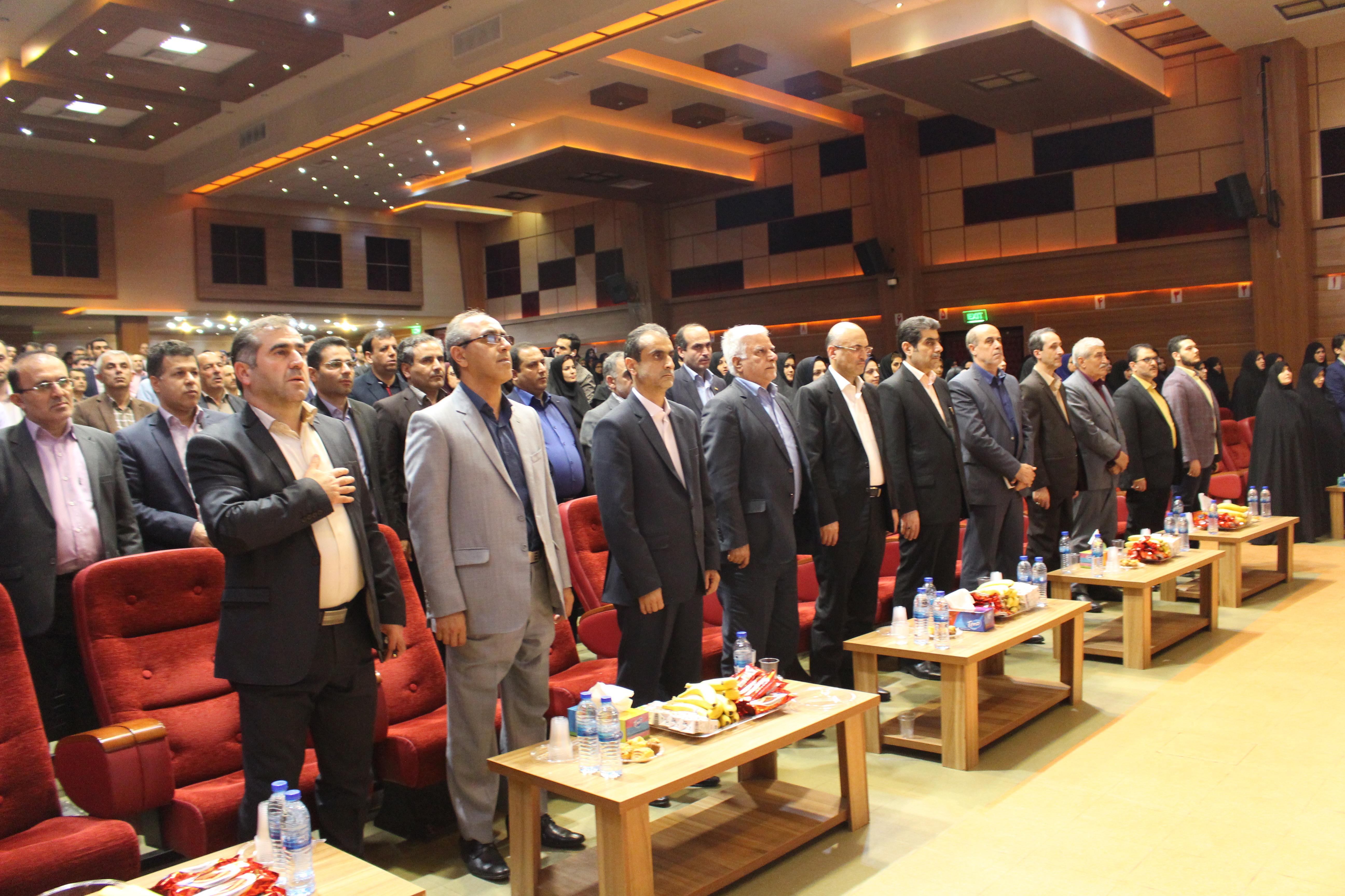 همایش تجلیل از مقام شامخ معلم در شهرستان رشت برگزار شد
