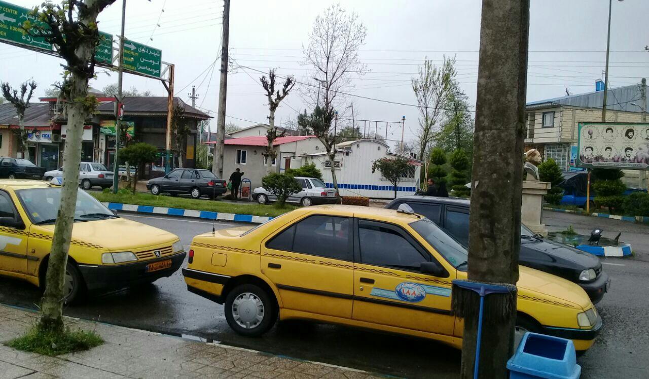 چه کسی پاسخگوی بی نظمی ترافیکی در شهر شفت به دلیل فعالیت تاکسی بیسیم است؟/تاکسی بیسیم شفت فاقد ایستگاه مشخص/ انضباط تاکسی بیسیم در گرو ساماندهی تاکسیهای درون شهری است