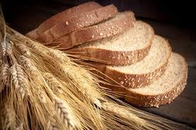 قیمت انواع نان پس از سه سال، از امروز با افزایش ۱۵ درصدی فروخته میشود/نانوایانی که توپ پایین بودن کیفیت نان را به زمین کشاورز و آردسازان می اندازند/بیشترین شکایات مردم به بحث کیفیت نان مربوط میشود