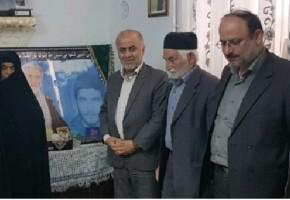 دیدار از خانواده شهدا، باعث استحکام و پایداری نظام و انقلاب است