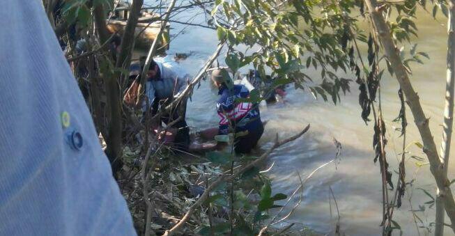 جسد جوان مفقود شده فومنی در رودخانه شهر بعد از شش روز تجسس شبانه روزی امدادگران هلال احمر و سپاه و نیروهای مردمی پیدا شد