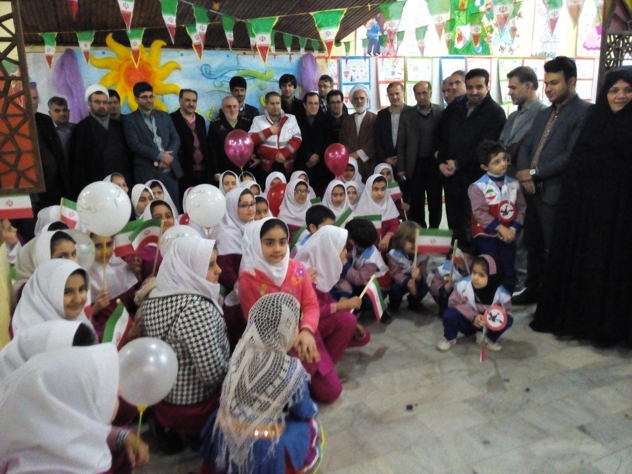 جشن انقلاب کودکان یاد اور روزهای انقلاب برای مسئولان