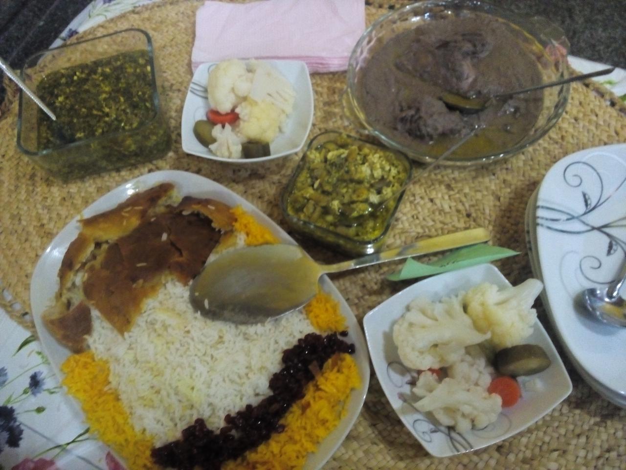 جشنوارههای غذاهای محلی گیلان نقش مهمی در زنده نگهداشتن بافت سنتی غذاهای محلی است