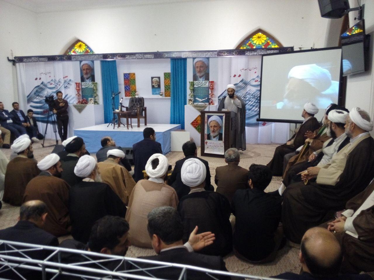 محافظت فقه ها از دین خدا سبب پویایی و زنده بودن اسلام در جهان است/بهجت را فقط به زهد نشناسیم بهجت یک فقیه بزرگ بود