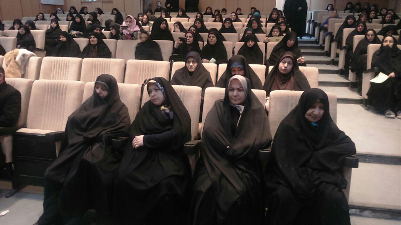 فرهنگ اصیل وبومی ایرانی برای مقابل با هجمه دشمنان وفرهنگ غرب احیا شود