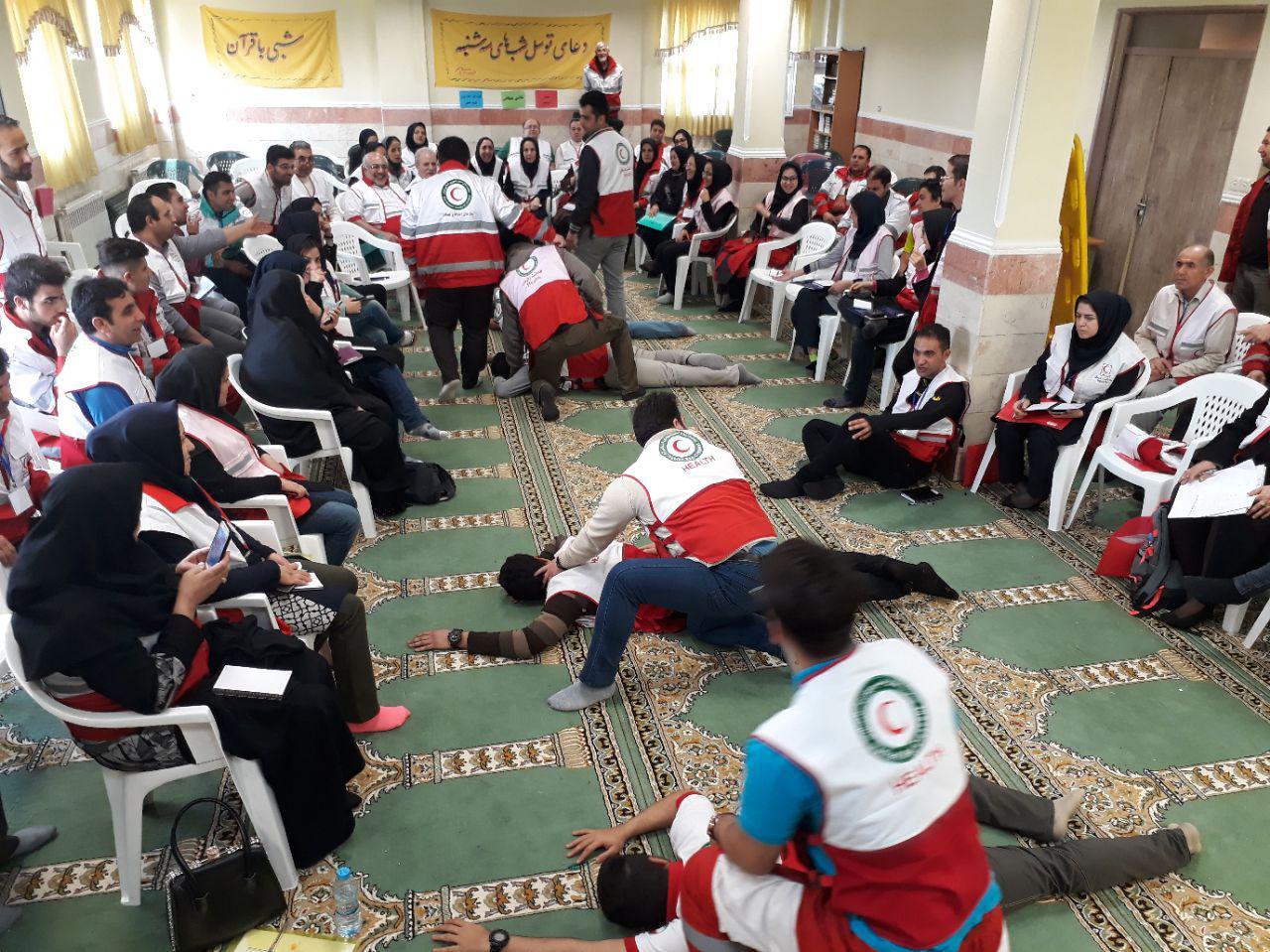 آموزش۲۷۲ تن از کارکنان و داوطلبان جمعیت هلال احمر استان گیلان در قالب تیمهای BHCUدرمان اضطراری