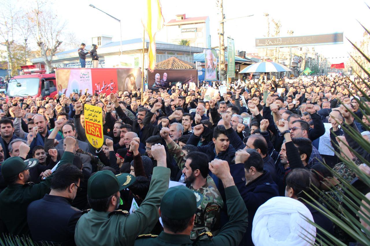 مردم از هر دو جریان سیاسی دلخورند/ جوانان در کابینه روحانی ستارههای دولت شدند